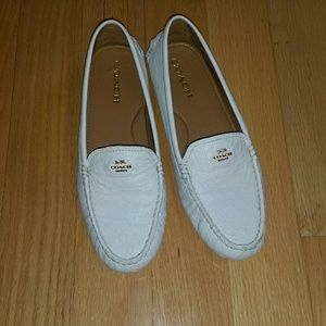 Coach Amber leather driving moccasins. Cream. 10.